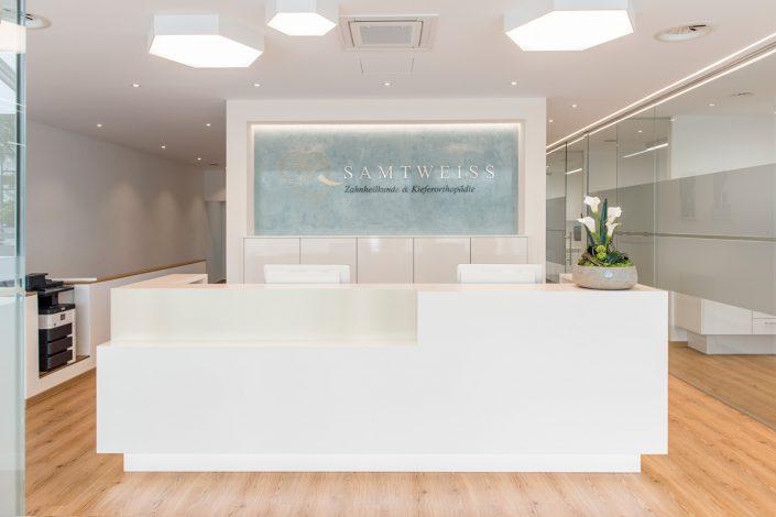 Zahnarztpraxis Samtweiss Geretsried Eingang